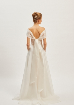 Brautkleid Reseda mit Schärpe